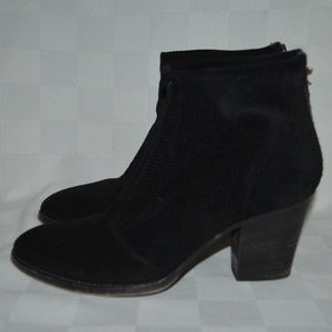 Sz 7.5 Aquatalia Black Suede Ankle Booties Boots